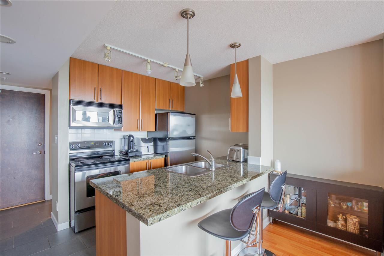 """Photo 4: Photos: 2609 688 ABBOTT Street in Vancouver: Downtown VW Condo for sale in """"FIRENZE ii"""" (Vancouver West)  : MLS®# R2579446"""