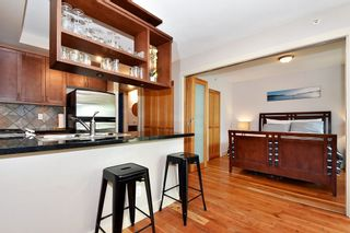 """Photo 8: 106 2515 ONTARIO Street in Vancouver: Mount Pleasant VW Condo for sale in """"ELEMENTS"""" (Vancouver West)  : MLS®# R2385133"""