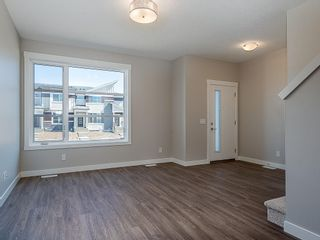 Photo 8: 33 SKYVIEW Parade NE in Calgary: Skyview Ranch Row/Townhouse for sale : MLS®# C4296504
