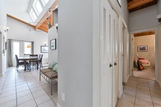Photo 4: 1329 16 Street NW in Calgary: Hounsfield Heights/Briar Hill Detached for sale : MLS®# A1079306