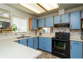 """Photo 9: 8 6537 138 Street in Surrey: East Newton Townhouse for sale in """"Charleston Green"""" : MLS®# R2105934"""