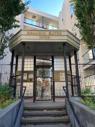 Photo 1: 424, 10023 110 Street in Edmonton: Condo for rent