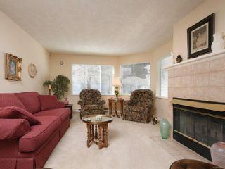 Photo 2: 10 3969 Cedar Hill Cross Rd in : SE Maplewood Row/Townhouse for sale (Saanich East)  : MLS®# 878111