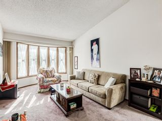 Photo 3: 64 Sanderling Hill in Calgary: Sandstone Valley Detached for sale : MLS®# A1090715