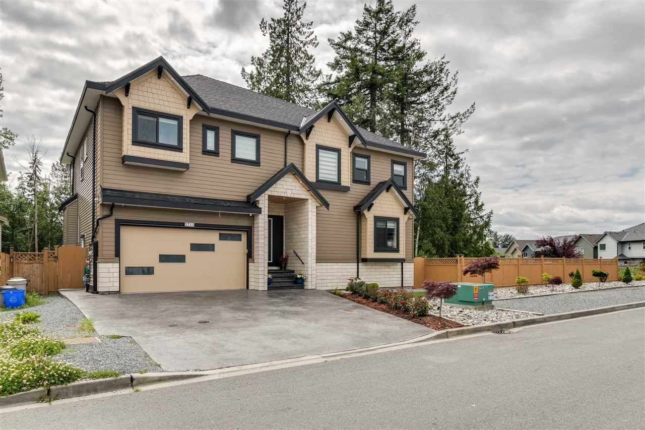"""Main Photo: 2711 CABOOSE Place in Abbotsford: Aberdeen House for sale in """"E OF TRWY & GLDYS N OF OY"""" : MLS®# R2492015"""