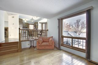Photo 8: 152 Woodmark Crescent SW in Calgary: Woodbine Detached for sale : MLS®# A1054645