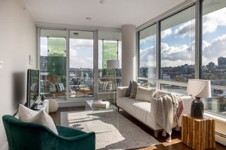 Photo 3: 1605 159 W 2ND AVENUE in Vancouver: False Creek Condo for sale (Vancouver West)  : MLS®# R2623051
