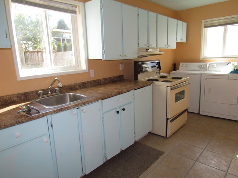 Main Photo: BSMT 2146 Topaz Street in Abbotsford: Abbotsford West Condo for rent