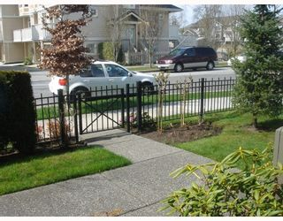 """Photo 2: 13 7733 HEATHER Street in Richmond: McLennan North Townhouse for sale in """"HEARTSTONE"""" : MLS®# V701542"""
