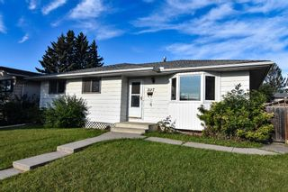 Main Photo: 3127 Rae Crescent SE in Calgary: Albert Park/Radisson Heights Detached for sale : MLS®# A1143749
