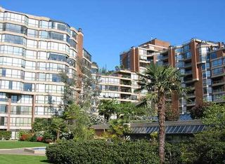 """Photo 2: 204 1490 PENNYFARTHING Drive in Vancouver: False Creek Condo for sale in """"HARBOUR COVE"""" (Vancouver West)  : MLS®# V872737"""