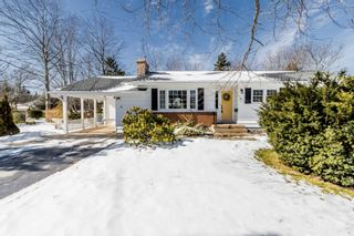 Photo 2: 66 Chestnut Avenue in Wolfville: 404-Kings County Residential for sale (Annapolis Valley)  : MLS®# 202103928