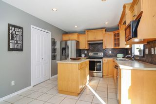 """Photo 5: 9424 203 Street in Langley: Walnut Grove House for sale in """"River Wynde"""" : MLS®# R2344514"""