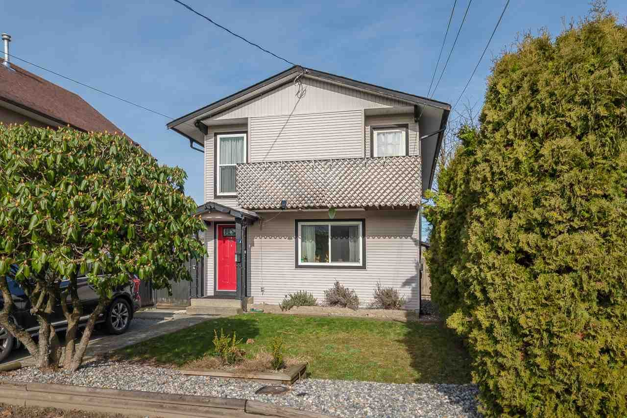 Main Photo: 1927 COQUITLAM Avenue in Port Coquitlam: Glenwood PQ House for sale : MLS®# R2541306