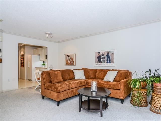 Photo 4: Photos: 1742 25 Street SW in Calgary: Shaganappi House for sale : MLS®# C4073026