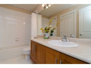 """Photo 15: 49 15188 62A Avenue in Surrey: Sullivan Station Townhouse for sale in """"Gillis Walk"""" : MLS®# F1413374"""