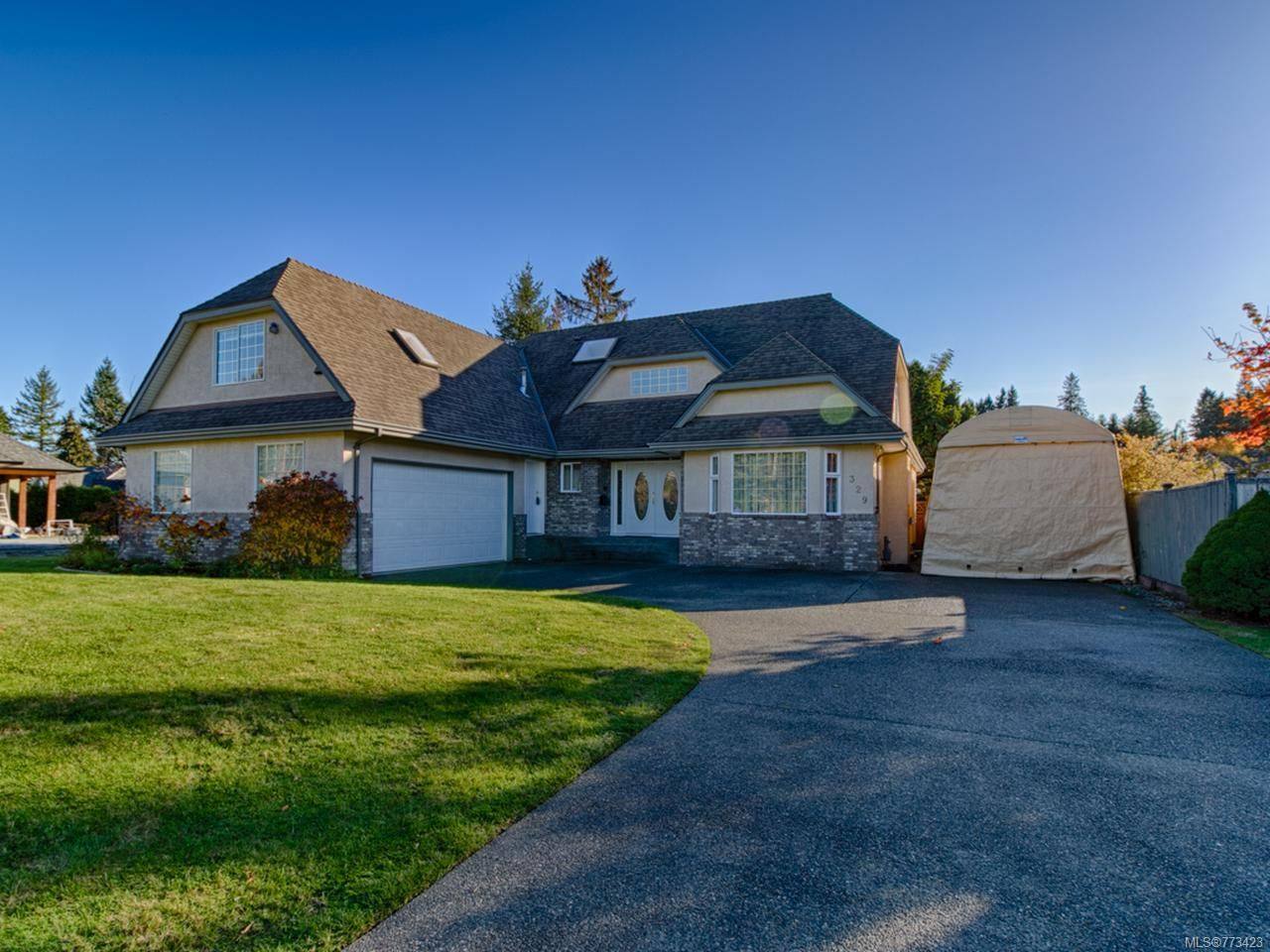 Main Photo: 329 Dahl Rd in CAMPBELL RIVER: CR Willow Point House for sale (Campbell River)  : MLS®# 773423
