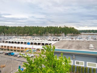 Photo 1: 12 Rosehill St in : Na Brechin Hill Multi Family for sale (Nanaimo)  : MLS®# 876965
