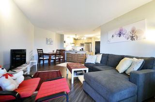 "Photo 4: 507 3156 DAYANEE SPRINGS Boulevard in Coquitlam: Westwood Plateau Condo for sale in ""TAMARAK"" : MLS®# R2126735"