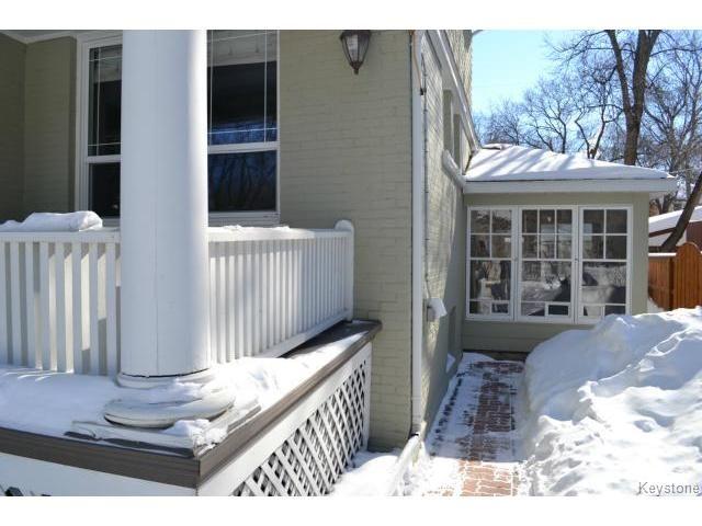 Photo 14: Photos: 1060 Grosvenor Avenue in WINNIPEG: Crescentwood Residential for sale (South Winnipeg)  : MLS®# 1403684