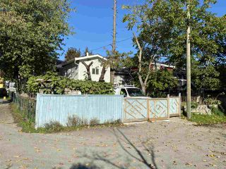 Photo 2: 3446 WILLIAM Street in Vancouver: Renfrew VE House for sale (Vancouver East)  : MLS®# R2512996