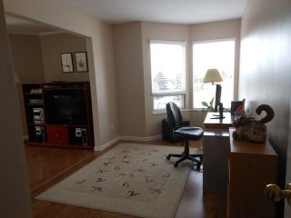 "Photo 15: 301 9295 122 Street in Surrey: Queen Mary Park Surrey Condo for sale in ""Kensington Gate"" : MLS®# F1408813"