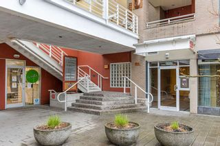 """Photo 26: 422 2255 W 4TH Avenue in Vancouver: Kitsilano Condo for sale in """"THE CAPERS BUILDING"""" (Vancouver West)  : MLS®# R2565232"""