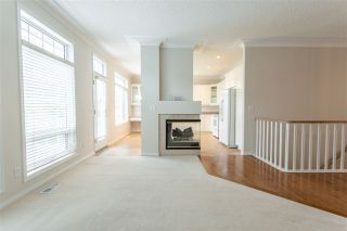Photo 5: 6 1008 BUTTERWORTH Point in Edmonton: Zone 14 House Half Duplex for sale : MLS®# E4225896