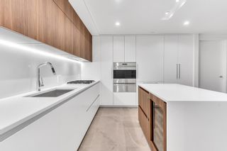 Photo 3: 1702 885 CAMBIE STREET in Vancouver: Yaletown Condo for sale (Vancouver West)  : MLS®# R2615412