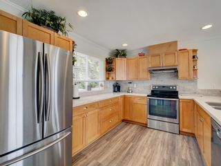 Photo 12: 6320 SAMRON Road in Sechelt: Sechelt District House for sale (Sunshine Coast)  : MLS®# R2614645