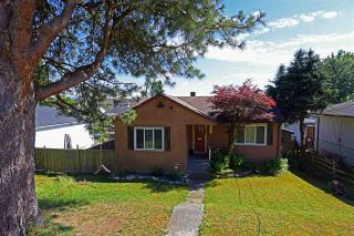 Photo 1: 33026 6TH Avenue in Mission: Mission BC House for sale : MLS®# R2317076