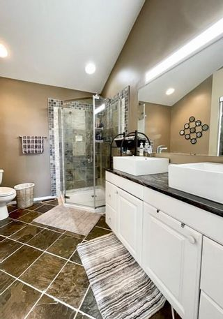 Photo 11: 30 Jerome Crescent in Brandon: ANW Residential for sale : MLS®# 202113683