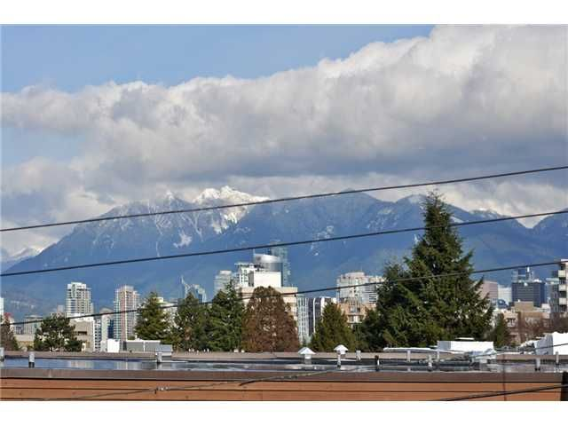 """Main Photo: 310 1235 W 15TH Avenue in Vancouver: Fairview VW Condo for sale in """"The Shaughnessy"""" (Vancouver West)  : MLS®# V1066041"""