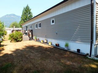 Photo 7: 1 63844 BAILEY Crescent in Hope: Hope Silver Creek Manufactured Home for sale : MLS®# R2607232
