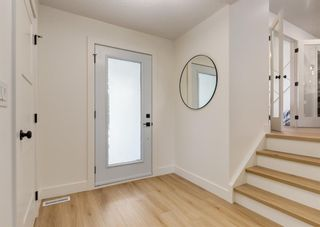 Photo 2: 6207 84 Street NW in Calgary: Silver Springs Detached for sale : MLS®# A1147522