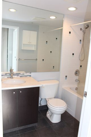 "Photo 13: 501 124 W 1ST Street in North Vancouver: Lower Lonsdale Condo for sale in ""THE Q"" : MLS®# R2115647"