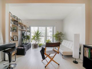 "Photo 5: 410 1655 NELSON Street in Vancouver: West End VW Condo for sale in ""Hampstead Manor"" (Vancouver West)  : MLS®# R2513219"