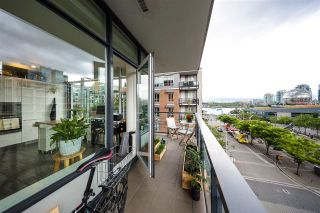"Photo 10: 501 123 W 1ST Avenue in Vancouver: False Creek Condo for sale in ""COMPASS"" (Vancouver West)  : MLS®# R2465773"