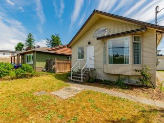 Photo 3: 7522 DUNSMUIR Street in Mission: Mission BC House for sale : MLS®# R2597062