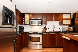 """Photo 9: 101 2137 W 10TH Avenue in Vancouver: Kitsilano Townhouse for sale in """"THE I"""" (Vancouver West)  : MLS®# R2097974"""
