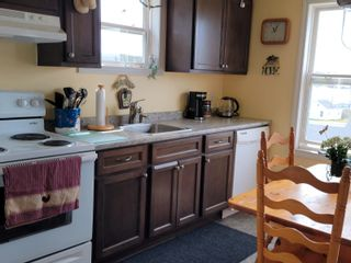 Photo 9: 10 Beatrice Street in Louisbourg: 206-Louisbourg Residential for sale (Cape Breton)  : MLS®# 202113603