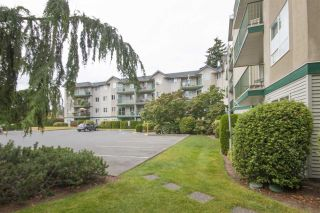 "Photo 2: 105 31771 PEARDONVILLE Road in Abbotsford: Abbotsford West Condo for sale in ""BRECKENRIDGE ESTATES"" : MLS®# R2099550"