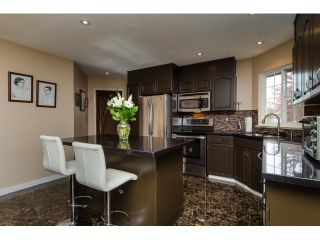 Photo 7: 19916 FAIRFIELD Avenue in Pitt Meadows: South Meadows House for sale : MLS®# R2010942