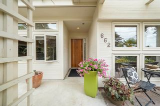 Photo 4: 662 ST. IVES Crescent in North Vancouver: Delbrook House for sale : MLS®# R2603801