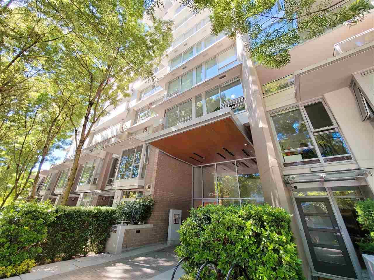 """Main Photo: 102 1675 W 8TH Avenue in Vancouver: Fairview VW Condo for sale in """"Camera"""" (Vancouver West)  : MLS®# R2590359"""