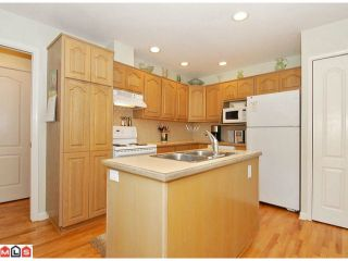 """Photo 6: 112 1770 128TH Street in Surrey: Crescent Bch Ocean Pk. Townhouse for sale in """"Palisades"""" (South Surrey White Rock)  : MLS®# F1207044"""