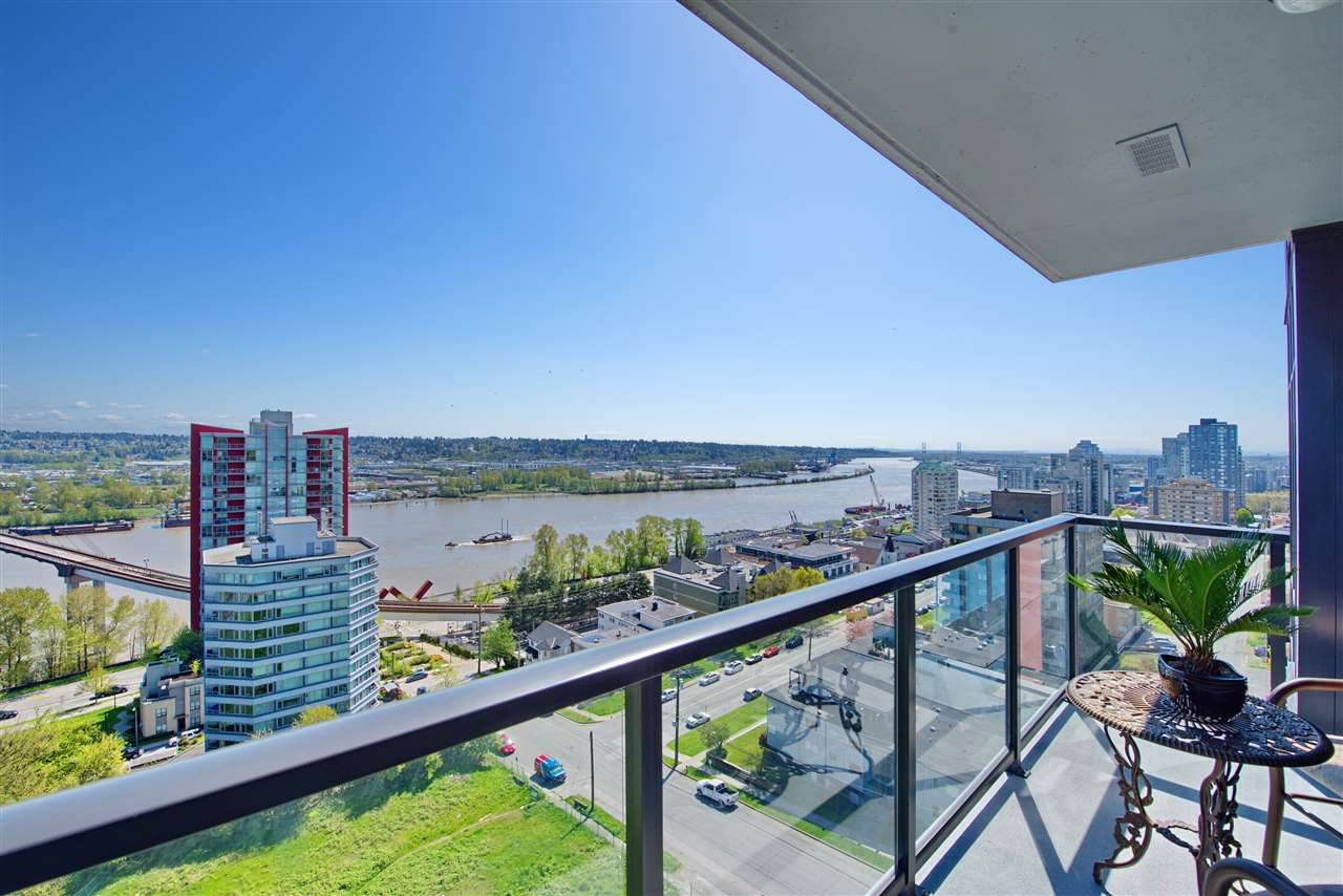 """Main Photo: 1303 188 AGNES Street in New Westminster: Downtown NW Condo for sale in """"ELLIOTT STREET"""" : MLS®# R2361561"""