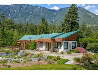 Photo 10: 21400 TRANS CANADA Highway in Hope: Hope Center House for sale : MLS®# R2579702