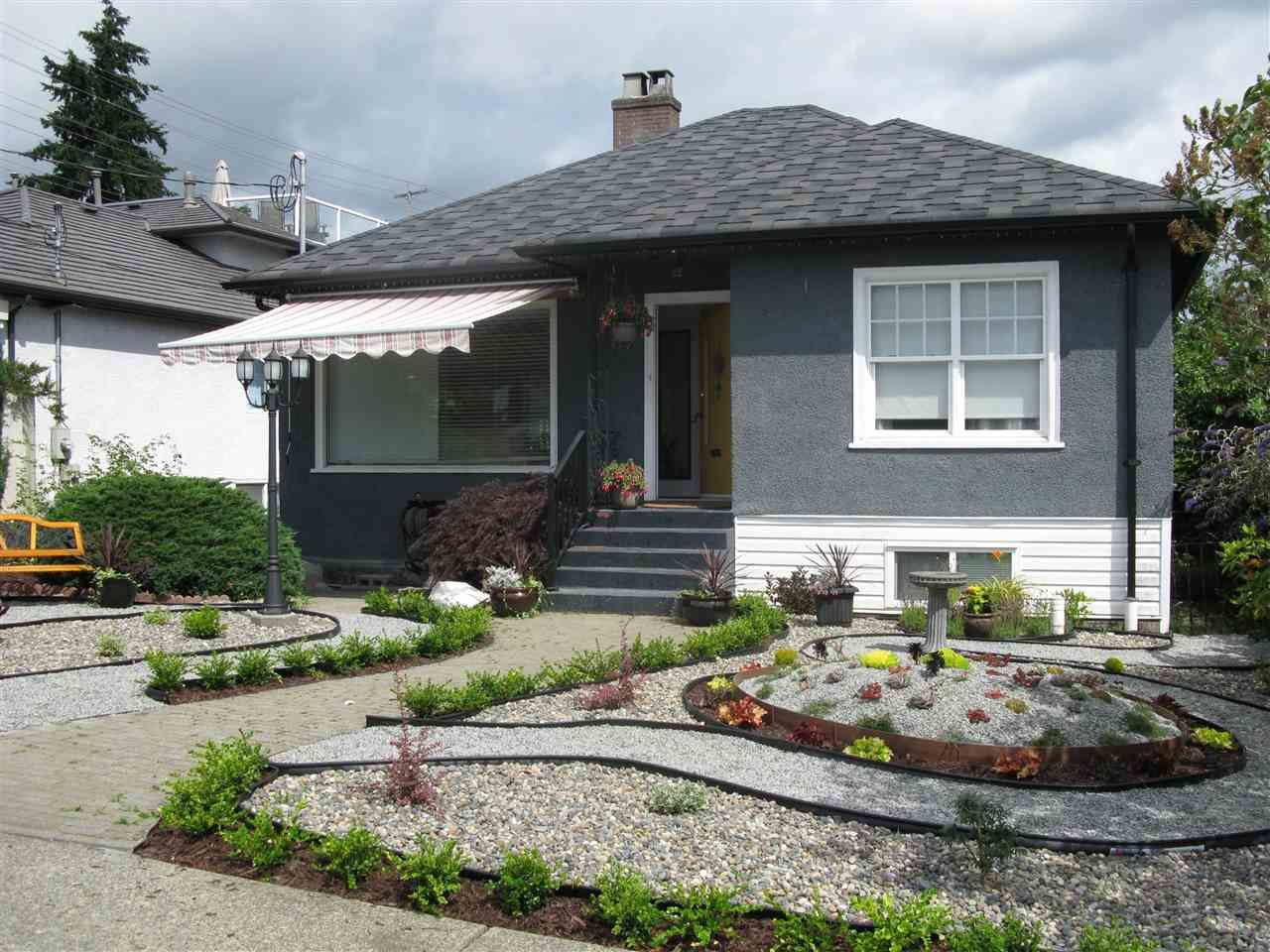 """Main Photo: 377 SIMPSON Street in New Westminster: Sapperton House for sale in """"SAPPERTON"""" : MLS®# R2543534"""