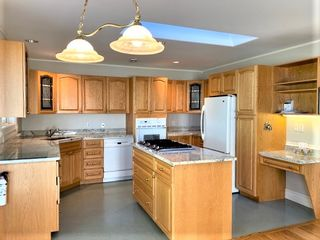 Photo 2: 5338 Georgiaview Crescent Upper in Nanaimo: Residential for rent